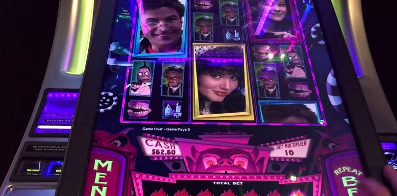 Halloween LIVE PLAY on BeetleJuice Slot Machine with Big Win!!!