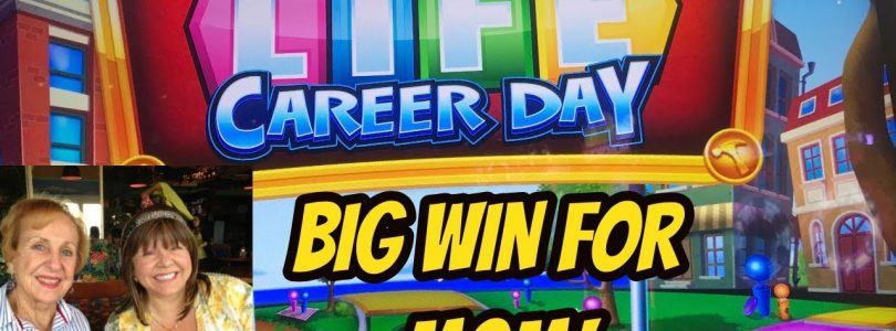 MOM RETIRES! BIG WIN FOR MOM ON GAME OF LIFE!